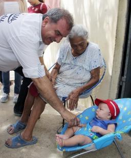 Familias de la comunidad confían en Stefanelli